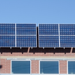 太陽光パネル事業
